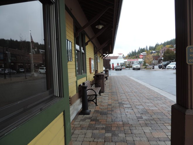 Waiting for California Zephyr at Truckee Train Depot