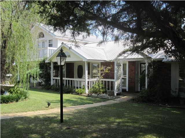 Lowndesboro House